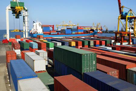 Internationale Seefracht und Luftfracht. Export und Import